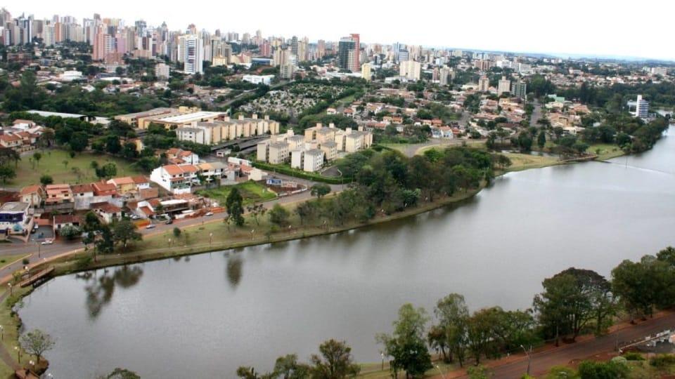 Londrina mendidik untuk Damai